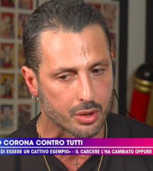 foto Fabrizio Corona live non è la d'urso