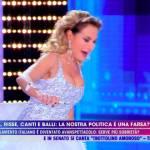"""Barbara D'Urso sfiora la caduta a Live Non è la D'Urso: """"Stavo per morire!"""""""