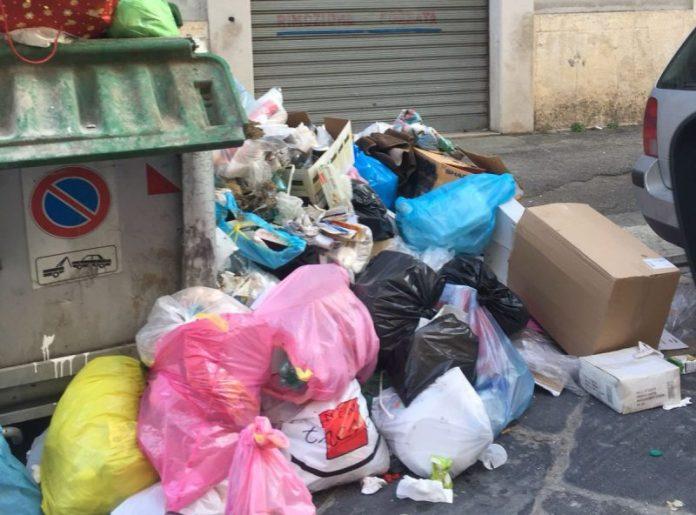 rifiuti-cerignola-strada