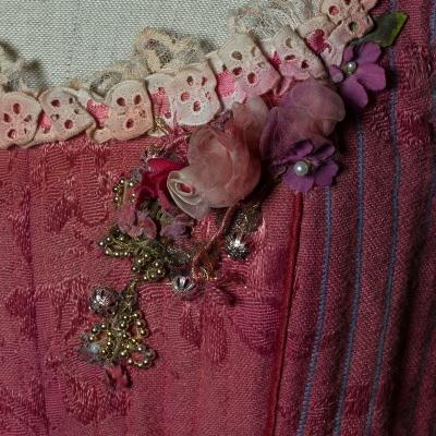 4-La fille mal gardee_particolare_2 di Hertel-Herold, 1987. Costume di Spinatelli per Lisa (Fracci). Foto Francesco M. Colombo