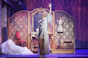 Malika Ayane è Evita