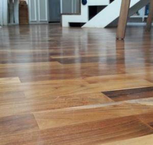 lantai kayu meulaboh
