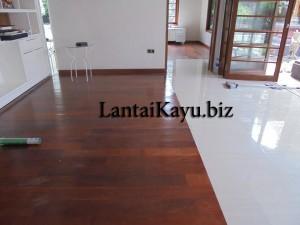 Pemasangan flooring merbang