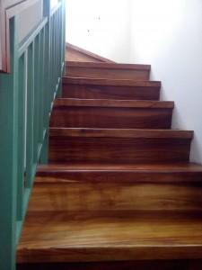 pemasangan lantai kayu jati