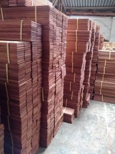 contoh pemasangan lantai kayu parket merbau