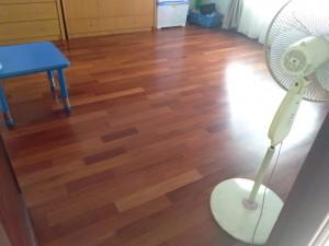 pemasangan lantai kayu Merbau Rumah 4