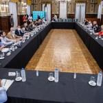 """Kicillof se pondrá """"a la cabeza del control de los precios"""" con los municipios"""