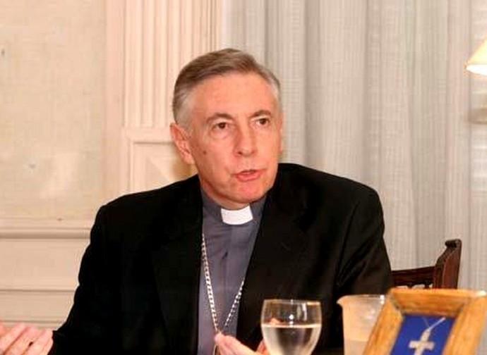 Il vescovo Hector Aguer