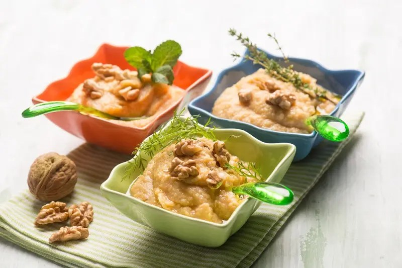 Hummus with nuts