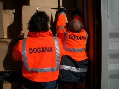 """LA SPEZIA-Contrabbando e frode, denunciato operatore economico vendeva falsi prodotti """" Made in Italy"""" importati dalla Cina."""