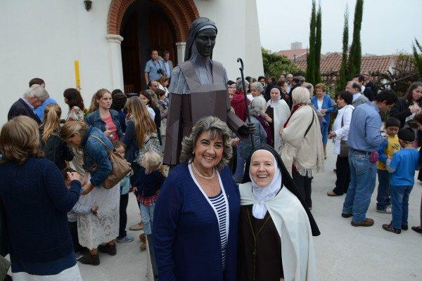 Alcaldesa Virginia Reginato, bendicion imagen santa teresa 3