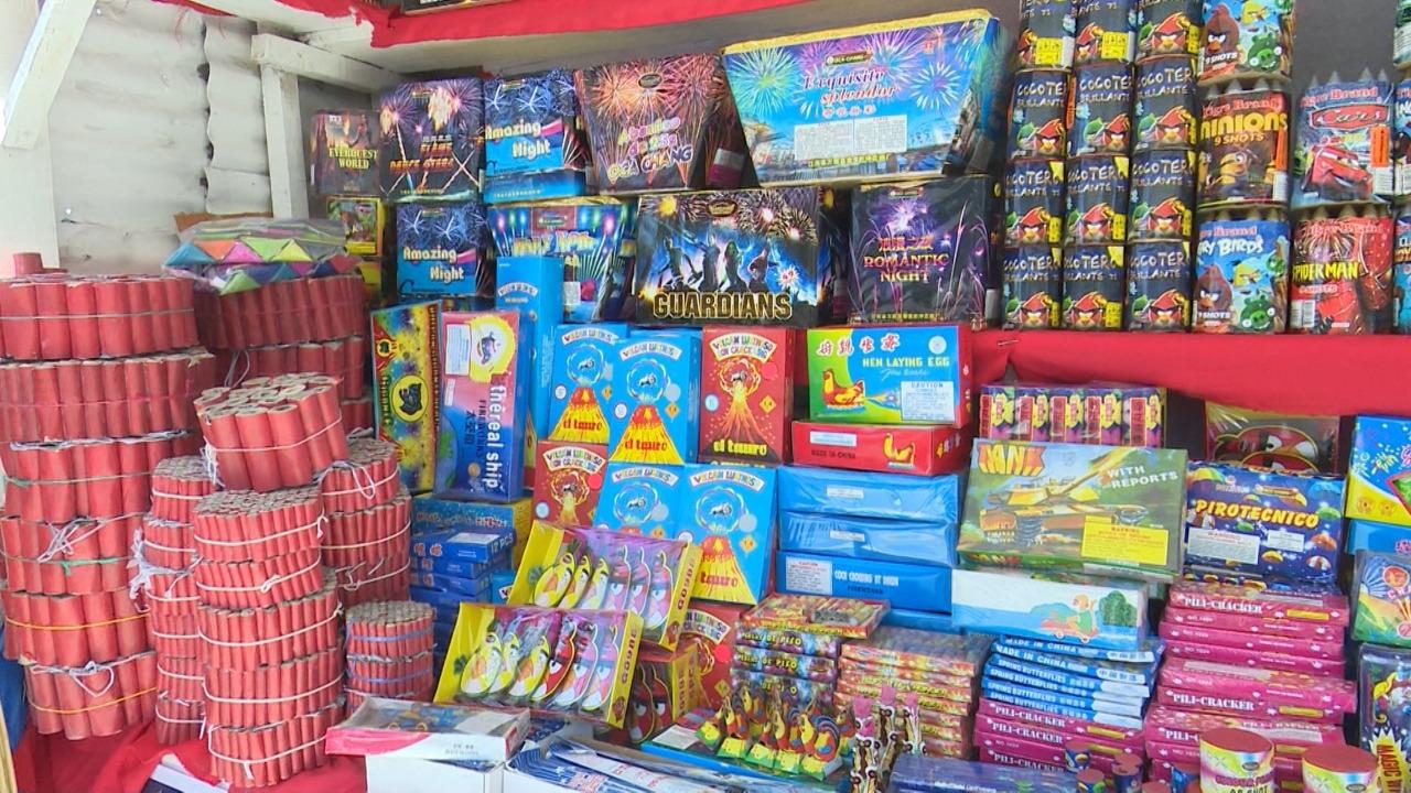70d70593d2b Comerciantes de pólvora se muestran satisfechos con ventas navideñas ...