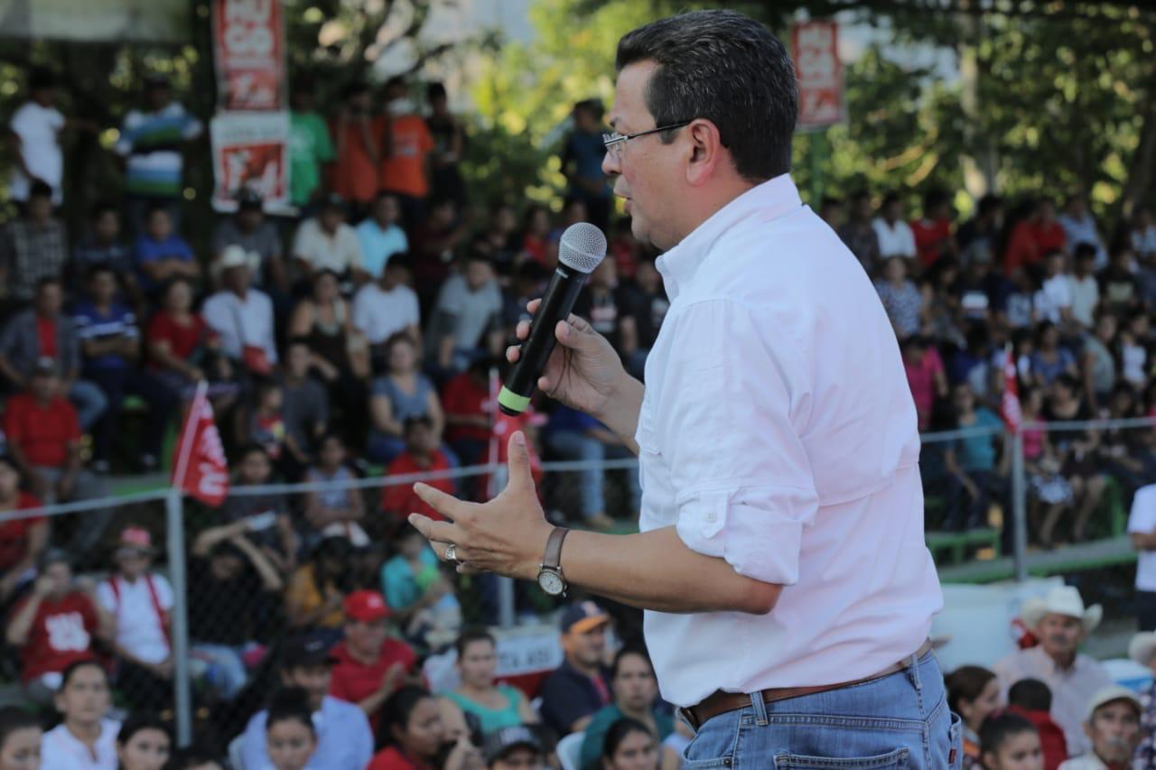 Hugo Martínez de gira en Cabañas
