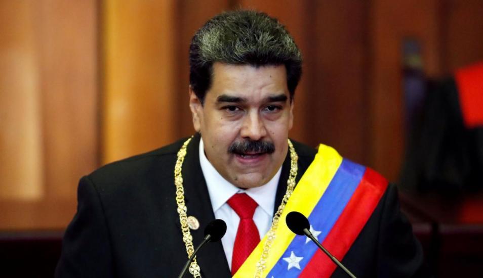 Nicolás Maduro pide la renuncia de todos sus ministros
