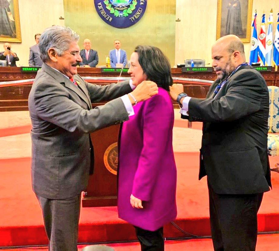 """Resultado de imagen para Embajadora Jean Manes: """"EE.UU. los acompaña como socio y amigo. Compartimos valores democráticos que trascienden la política"""""""