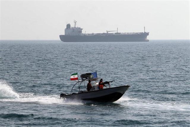 Buque petrolero desaparecido en estrecho de Ormuz no pertenece a EAU