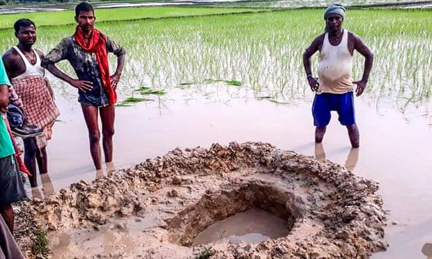 Cae meteorito en campo de arroz