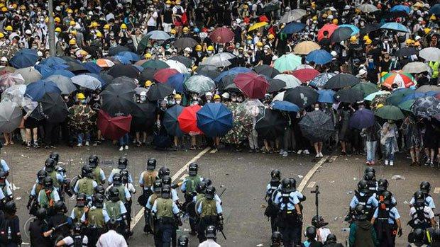 Vandalizan edificiospúblicos en Hong Kong