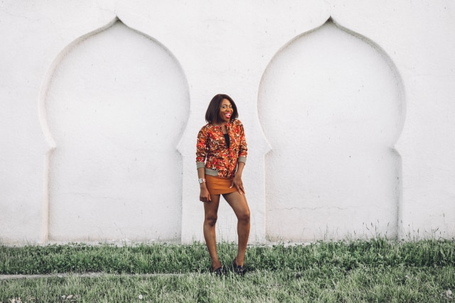 Can I have her entire look? Her African Print Bomber Jacket is a super stylish African print clothing. She wears it so well with that tan suede mini skirt and sexy flat bow flats. Ankara   Dutch wax   Kente   Kitenge   Dashiki   African print bomber jacket   African fashion   Ankara bomber jacket   African prints   Nigerian style   Ghanaian fashion   Senegal fashion   Kenya fashion   Nigerian fashion  