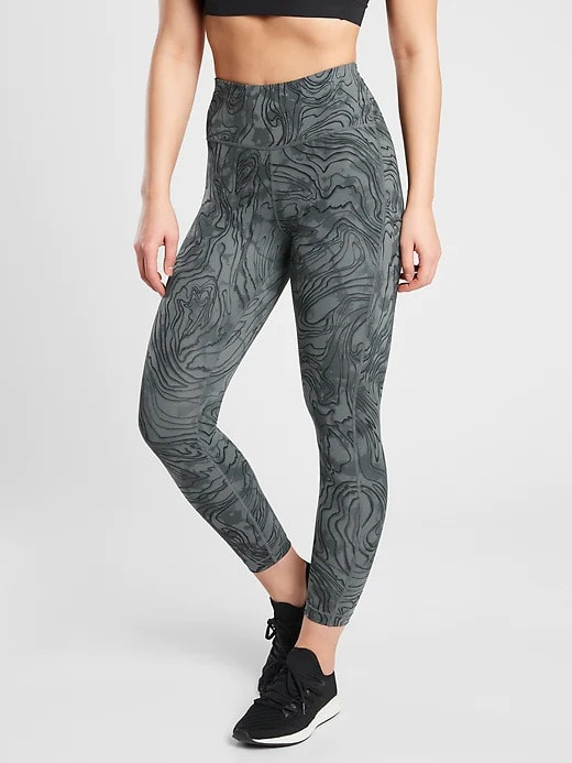 Athleta Ultimate Stash Pocket Printed 7:8 Tight
