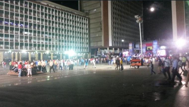 Maduro en su discurso en Plaza Caracas el 26 de octubre de 2015 a las 6:19 pm / Foto @panchoanatemas