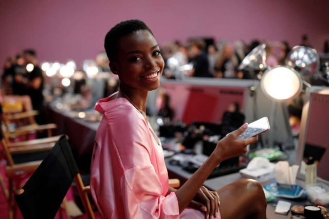 Model Maria Borges gets ready backstage before the Victoria's Secret Fashion Show at the Grand Palais in Paris, November 30, 2016. REUTERS/Benoit TessierFOR EDITORIAL USE ONLY. NOT FOR SALE FOR MARKETING OR ADVERTISING CAMPAIGNSFrance,