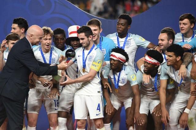Así celebró Inglaterra su triunfo en el Mundial Sub 20. AFP PHOTO / JUNG Yeon-Je