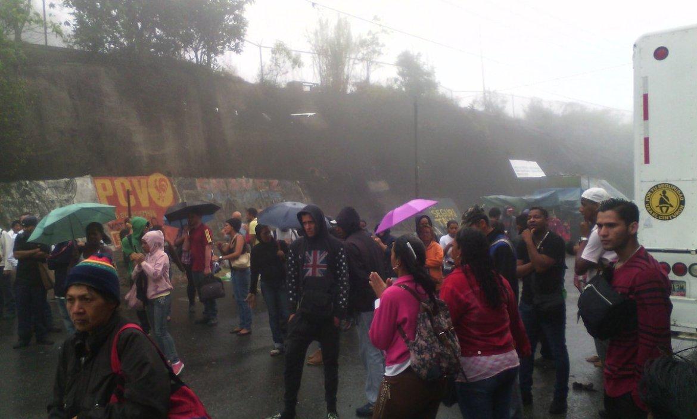 Foto: Protestan en El Junquito por aumento de pasaje / Fanny  Mora