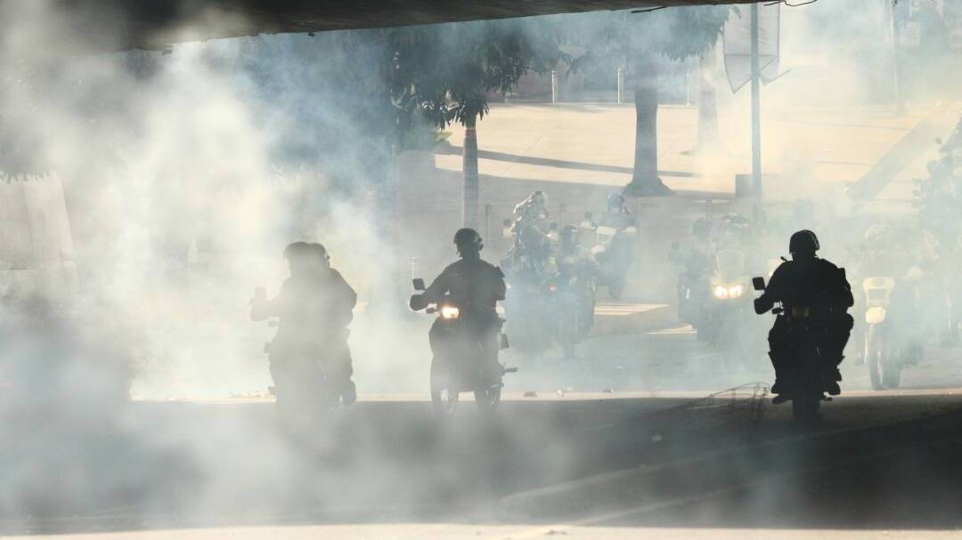 Represión en El Rosal. Foto: Haidy Rodríguez