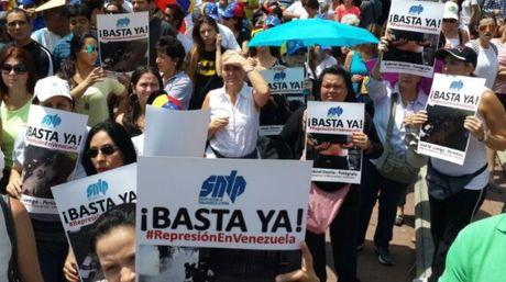 Periodistas-condenan-violacion-derechos-Cortesia_NACIMA20140228_0078_19