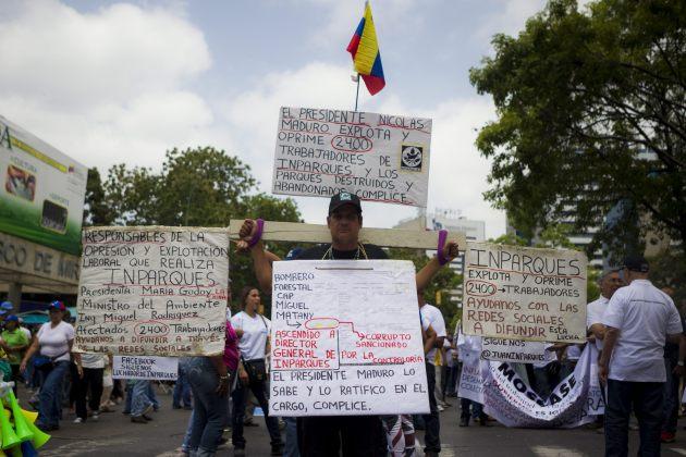 OPOSITORES MARCHAN POR EL PRIMERO DE MAYO