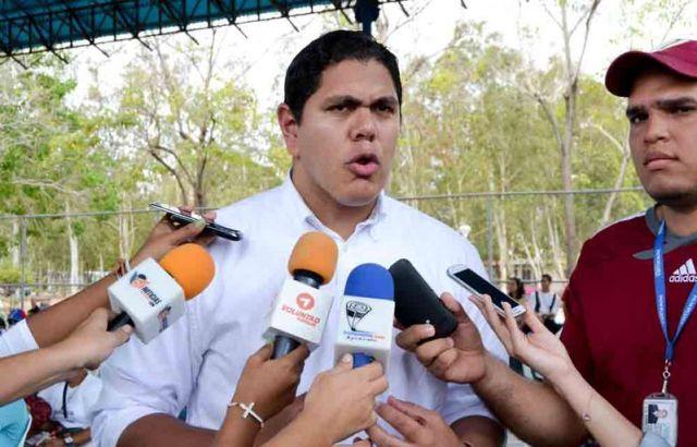 FOTO LESTER TOLEDO ASAMBLEA FCO E BUSTAMANTE
