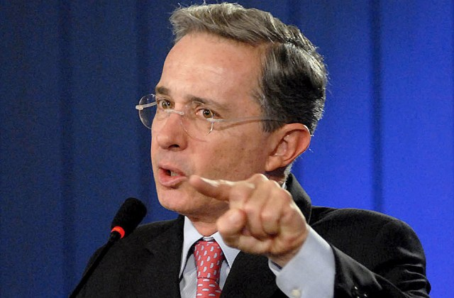 TO GO WITH AFP STORYColombian President Alvaro Uribe gestures durin