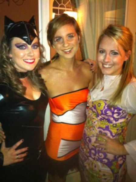 sexy-girls-halloween-costumes-24