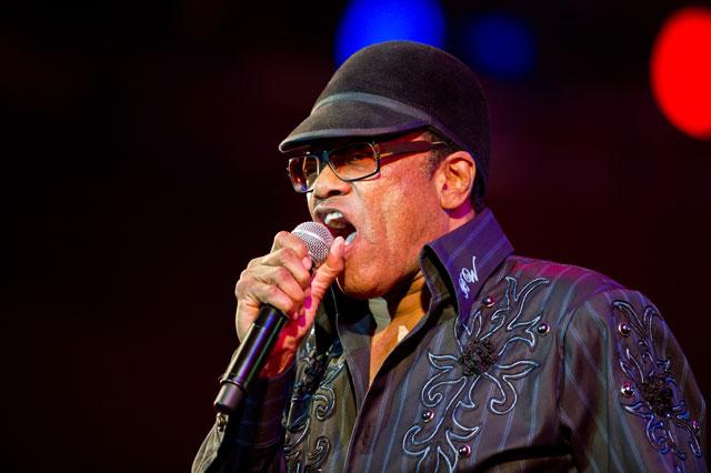 """""""Bobby"""" Womack (Cleveland, Ohio, 4 de marzo de 1944 - 27 de junio de 2014)1 fue un cantautor y músico estadounidense."""