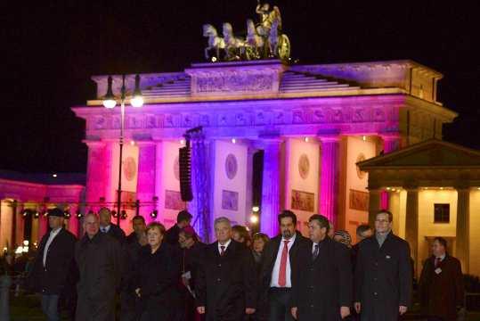 German Chancellor Merkel and German President Gauck attend vigil for the victims of Paris attacks in Berlin