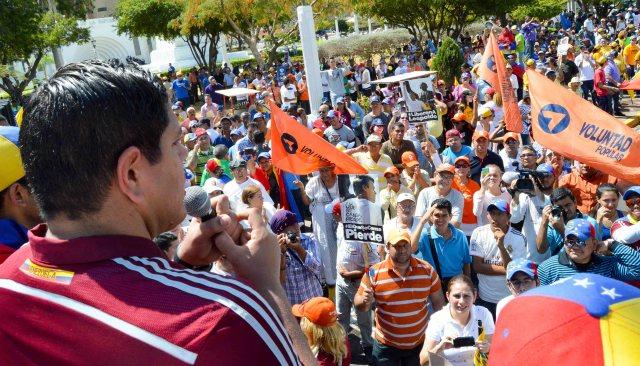 Foto: El diputado Lester Toledo en la Marcha de las Ollas Vacías. / Nota de prensa
