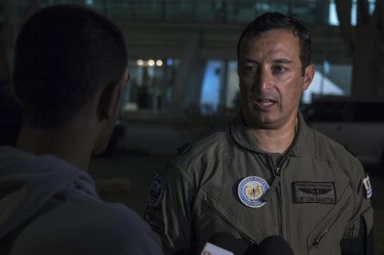El teniente coronel aviador Gregorio de los Santos, portavoz de la Fuerza Aérea de Uruguay (foto EFE)