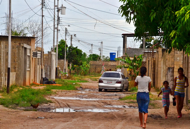 Diez-años-sin-agua-en-Villa-del-Parque-Sur