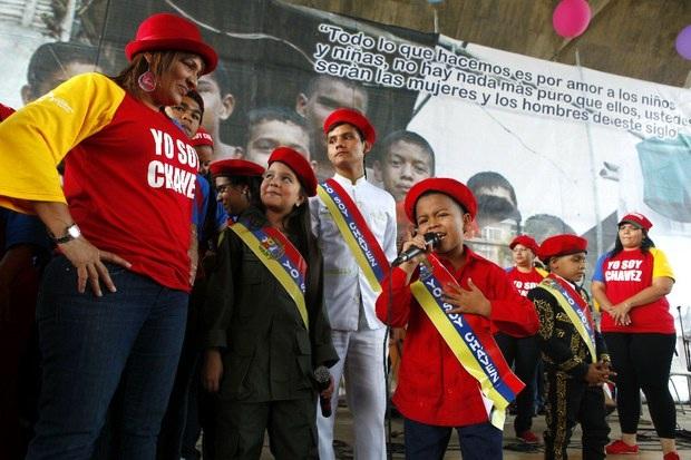 Niños venezolanos enviaron su canto de amor al presidente Chávez (año 2013) / AVN VTV