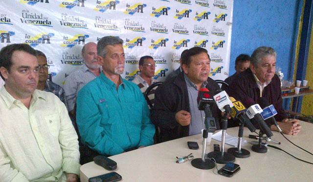 """Velásquez consideró """"altamente positiva"""" la movilización que realizara la oposición el #30M"""