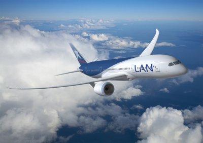 avion-lan-en-vuelo-baja-temporada