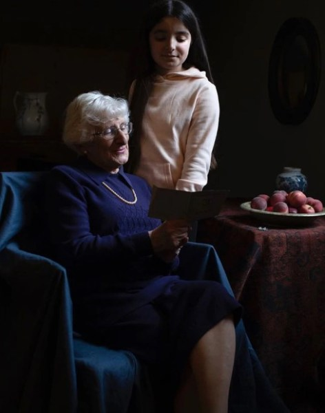 Screenshot 8 27 - Así son las impactantes fotos que Kate Middleton le tomó a sobrevivientes del Holocausto - #Noticias