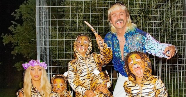 Kim-Kardashian-Rocks-Tiger-King-Halloween-Looks-With-Her-Kids-and-Jonathan-Cheban-08