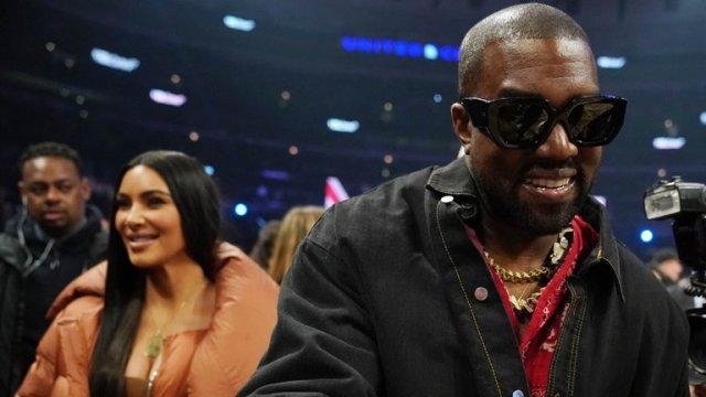 4AI5L47VC5BR7MVOBZBO7F7SXY - Kanye West se mudó de la casa de Kim Kardashian y se llevó 500 pares de zapatos