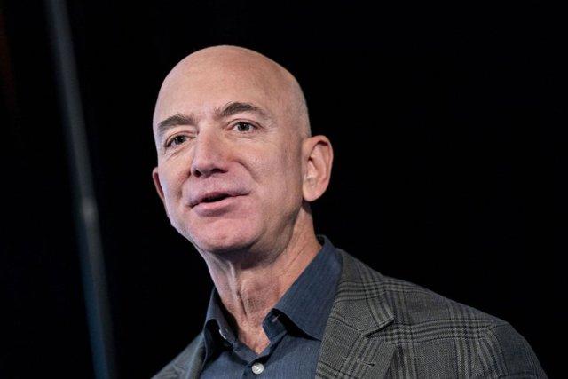 6SH6GUST5BBQ3IR4KVOXJAJBZI - Muy enamorado en su mansión y siguiendo una estricta rutina: Jeff Bezos cumple 56 años