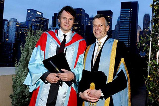 Liam Neeson Queens University en Belfast - La difícil historia de Liam Neeson
