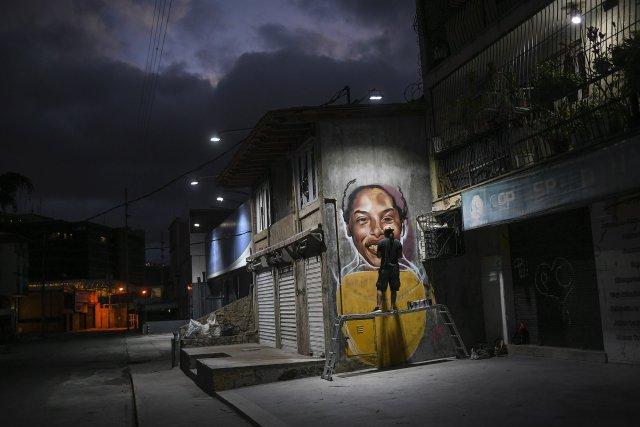 wolfgan salazar - Wolfgang Salazar, el artista callejero que busca inspirar a Venezuela