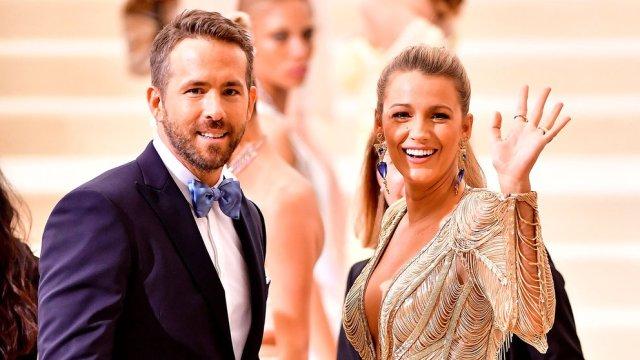 Ryan Reynolds se caso con Blake Lively - Ryan Reynolds reveló cómo enamoró a tres mujeres, entre ellas Scarlett Johansson