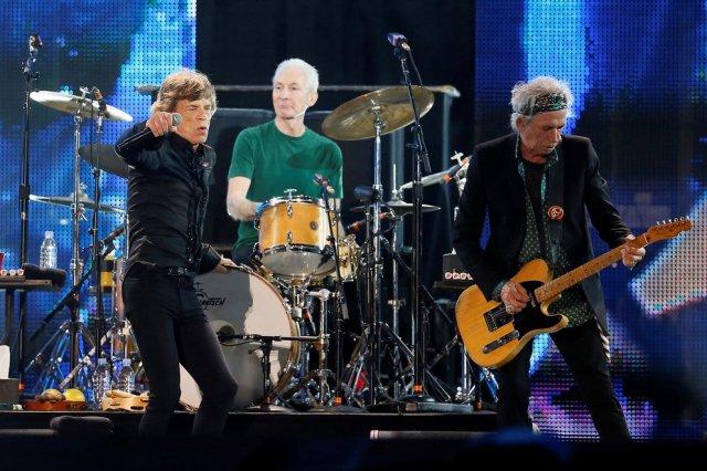 SRKGK3ECVIR77AEOIRPFHJ555M - Cómo llegó a The Rolling Stones, la mujer que lo salvó y los puños con Jagger